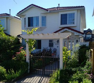 Photo 1: 6493 SOPHIA Street in Vancouver: Main House for sale (Vancouver East)  : MLS®# R2184080