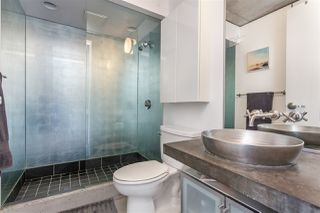 """Photo 12: 512 1540 W 2ND Avenue in Vancouver: False Creek Condo for sale in """"WATERFALL BUILDING BY ARTHER ERI"""" (Vancouver West)  : MLS®# R2186544"""