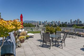 """Photo 13: 512 1540 W 2ND Avenue in Vancouver: False Creek Condo for sale in """"WATERFALL BUILDING BY ARTHER ERI"""" (Vancouver West)  : MLS®# R2186544"""