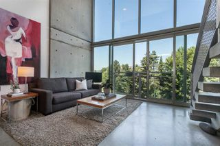 """Photo 1: 512 1540 W 2ND Avenue in Vancouver: False Creek Condo for sale in """"WATERFALL BUILDING BY ARTHER ERI"""" (Vancouver West)  : MLS®# R2186544"""
