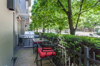 Photo 2: 979 Richards St in Vancouver: Downtown VW Townhouse for sale (Vancouver West)  : MLS®# R2180094