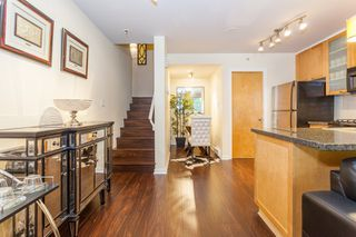 Photo 6: 979 Richards St in Vancouver: Downtown VW Townhouse for sale (Vancouver West)  : MLS®# R2180094