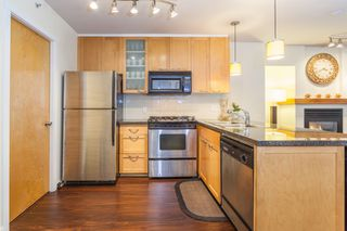 Photo 5: 979 Richards St in Vancouver: Downtown VW Townhouse for sale (Vancouver West)  : MLS®# R2180094