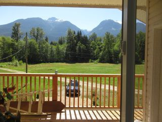 "Photo 9: 2211/31 DRUMMOND Road in Squamish: Upper Squamish House for sale in ""UPPER SQUAMISH"" : MLS®# R2190623"