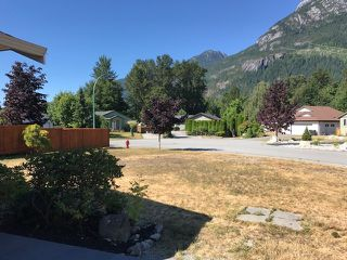 "Photo 12: 1041 EDGEWATER Crescent in Squamish: Northyards House for sale in ""Edgewater"" : MLS®# R2191673"