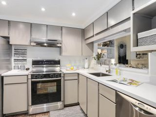 "Photo 8: 5 960 W 13TH Avenue in Vancouver: Fairview VW Townhouse for sale in ""The Brickhouse"" (Vancouver West)  : MLS®# R2193892"