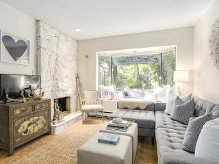 "Photo 3: 5 960 W 13TH Avenue in Vancouver: Fairview VW Townhouse for sale in ""The Brickhouse"" (Vancouver West)  : MLS®# R2193892"