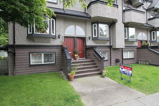 Photo 1: 2304 VINE ST in Vancouver: Kitsilano Townhouse for sale (Vancouver West)  : MLS®# V894432