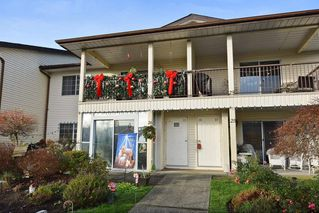 "Photo 1: 30 6467 197 Street in Langley: Willoughby Heights Townhouse for sale in ""Willow Park Estates"" : MLS®# R2225926"