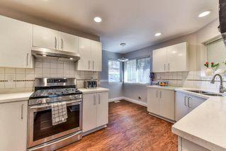 "Photo 2: 28 8888 151 Street in Surrey: Bear Creek Green Timbers Townhouse for sale in ""Carlington"" : MLS®# R2248167"