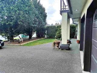 Photo 2: 27131 27 Avenue in Langley: Aldergrove Langley House for sale : MLS®# R2248451
