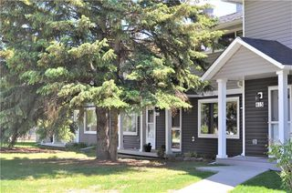 Photo 1: 414 REGAL Park NE in Calgary: Renfrew House for sale : MLS®# C4178136
