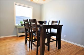 Photo 5: 414 REGAL Park NE in Calgary: Renfrew House for sale : MLS®# C4178136