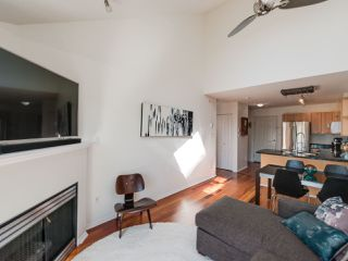 Photo 14: 404 3939 HASTINGS STREET in Burnaby: Vancouver Heights Condo for sale (Burnaby North)  : MLS®# R2261825