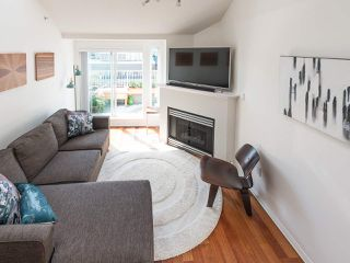 Photo 13: 404 3939 HASTINGS STREET in Burnaby: Vancouver Heights Condo for sale (Burnaby North)  : MLS®# R2261825