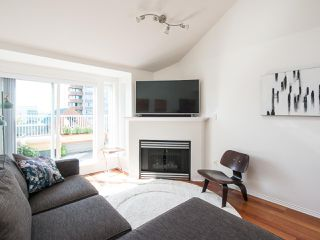 Photo 4: 404 3939 HASTINGS STREET in Burnaby: Vancouver Heights Condo for sale (Burnaby North)  : MLS®# R2261825