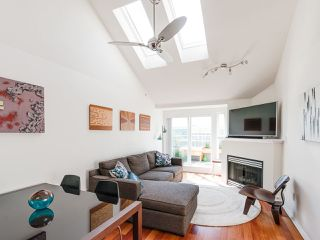 Photo 3: 404 3939 HASTINGS STREET in Burnaby: Vancouver Heights Condo for sale (Burnaby North)  : MLS®# R2261825