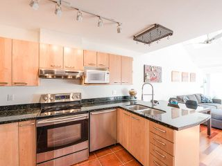 Photo 11: 404 3939 HASTINGS STREET in Burnaby: Vancouver Heights Condo for sale (Burnaby North)  : MLS®# R2261825