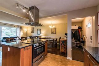 Photo 8: 148 Risbey Crescent in Winnipeg: Crestview Residential for sale (5H)  : MLS®# 1810954