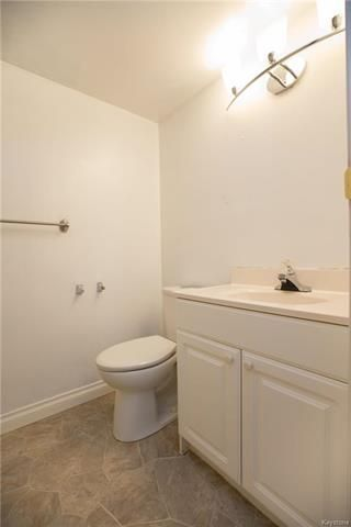 Photo 13: 273 George Marshall Way in Winnipeg: Canterbury Park Residential for sale (3M)  : MLS®# 1812800