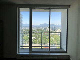 "Photo 4: 2203 13325 102A Avenue in Surrey: Whalley Condo for sale in ""Ultra"" (North Surrey)  : MLS®# R2270516"