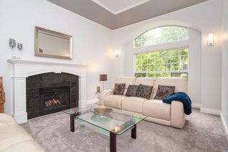 """Photo 2: 21555 47B Avenue in Langley: Murrayville House for sale in """"Macklin Corners"""" : MLS®# R2277996"""