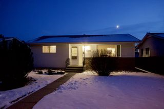Main Photo:  in Edmonton: Zone 15 House for sale : MLS®# E4136076