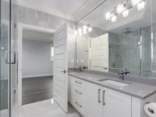 Photo 12: 5498 BRUCE Street in Vancouver: Victoria VE House for sale (Vancouver East)  : MLS®# R2333476