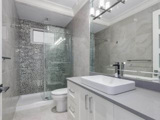 Photo 8: 5498 BRUCE Street in Vancouver: Victoria VE House for sale (Vancouver East)  : MLS®# R2333476