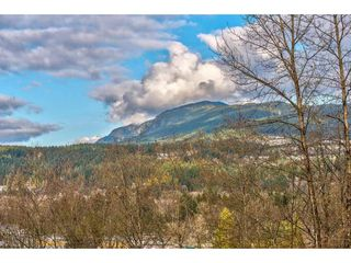 "Photo 19: 105 3033 TERRAVISTA Place in Port Moody: Port Moody Centre Condo for sale in ""THE GLENMORE"" : MLS®# R2334845"