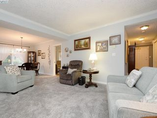Photo 4: 102 4494 Chatterton Way in VICTORIA: SE Broadmead Condo Apartment for sale (Saanich East)  : MLS®# 405232