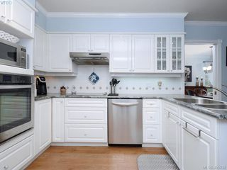 Photo 7: 102 4494 Chatterton Way in VICTORIA: SE Broadmead Condo Apartment for sale (Saanich East)  : MLS®# 405232