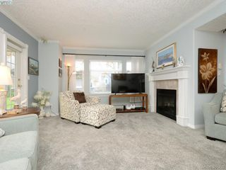Photo 2: 102 4494 Chatterton Way in VICTORIA: SE Broadmead Condo Apartment for sale (Saanich East)  : MLS®# 405232