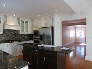 Photo 11: 10737 129 Street in Edmonton: Zone 07 House for sale : MLS®# E4142425