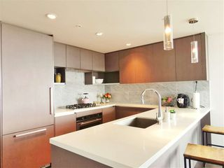 Photo 4: 2709 6538 NELSON Avenue in Burnaby: Metrotown Condo for sale (Burnaby South)  : MLS®# R2350835