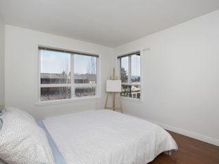"Photo 12: 307 3638 W BROADWAY Street in Vancouver: Kitsilano Condo for sale in ""CORAL COURT"" (Vancouver West)  : MLS®# R2354211"