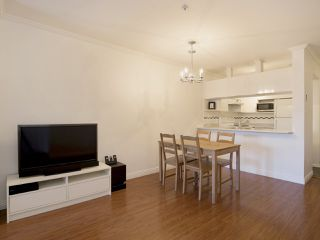 "Photo 6: 307 3638 W BROADWAY Street in Vancouver: Kitsilano Condo for sale in ""CORAL COURT"" (Vancouver West)  : MLS®# R2354211"