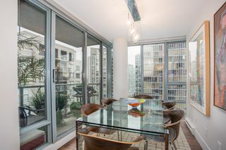 "Photo 8: 1902 930 CAMBIE Street in Vancouver: Yaletown Condo for sale in ""Pacific Place Landmark II"" (Vancouver West)  : MLS®# R2361842"