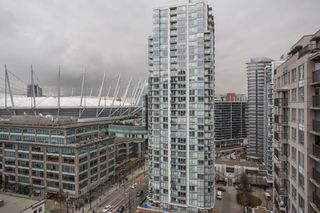 "Photo 10: 1902 930 CAMBIE Street in Vancouver: Yaletown Condo for sale in ""Pacific Place Landmark II"" (Vancouver West)  : MLS®# R2361842"