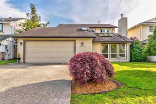 Photo 1: 19554 OAK Terrace in Pitt Meadows: Mid Meadows House for sale : MLS®# R2369640