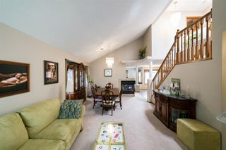 Photo 3: 10415 175 Avenue in Edmonton: Zone 27 House for sale : MLS®# E4158783