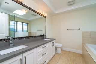 Photo 14: 3226 E 5TH Avenue in Vancouver: Renfrew VE House for sale (Vancouver East)  : MLS®# R2377389
