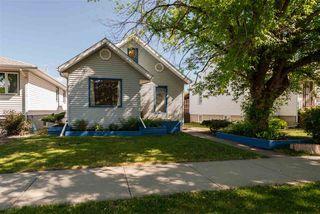 Photo 2: 9812 73 Avenue in Edmonton: Zone 17 House for sale : MLS®# E4161313