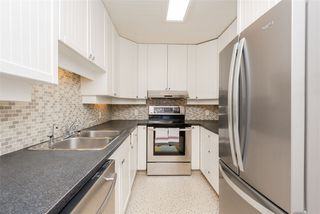 Photo 8: 9812 73 Avenue in Edmonton: Zone 17 House for sale : MLS®# E4161313