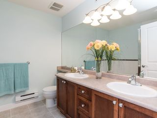 """Photo 12: 76 19932 70 Avenue in Langley: Willoughby Heights Townhouse for sale in """"Summerwood"""" : MLS®# R2380626"""