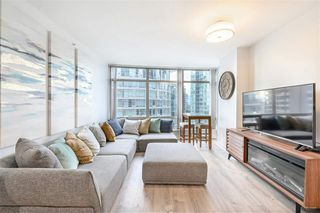 """Main Photo: 2004 1200 ALBERNI Street in Vancouver: West End VW Condo for sale in """"The Palisades"""" (Vancouver West)  : MLS®# R2383754"""
