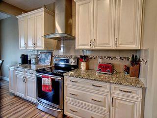 Photo 4: 12003 173 Avenue in Edmonton: Zone 27 House for sale : MLS®# E4164972