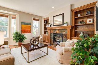 Photo 4: 230 SOMME Avenue SW in Calgary: Garrison Woods Row/Townhouse for sale : MLS®# C4261116