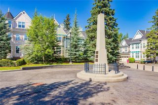Photo 37: 230 SOMME Avenue SW in Calgary: Garrison Woods Row/Townhouse for sale : MLS®# C4261116