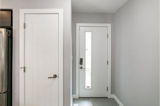 Photo 2: 11639 92 Street in Edmonton: Zone 05 House Half Duplex for sale : MLS®# E4176618